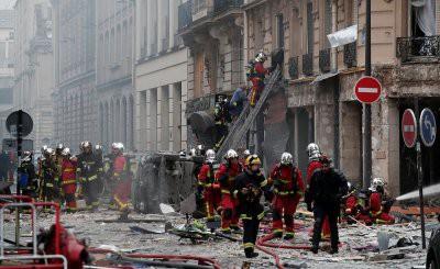 В центре Парижа прогремел мощный взрыв: опубликованы кадры с места происшествия