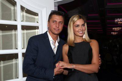 СМИ: Павел Прилучный избил жену Агату Муцениеце