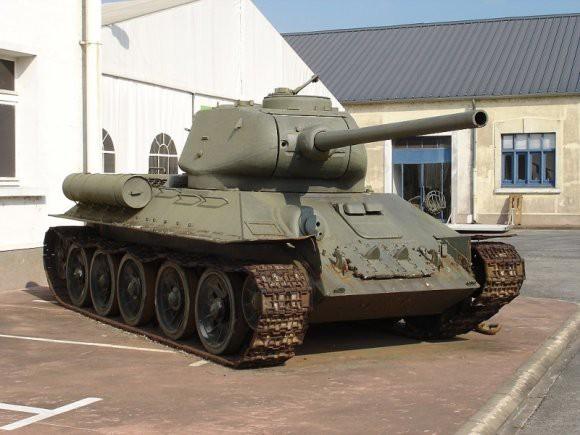Эшелон с танками Т-34, полученными из Лаоса, прибыл в Забайкальский край