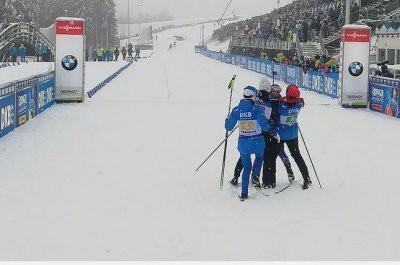 Женская сборная России по биатлону выиграла «золото» в эстафете