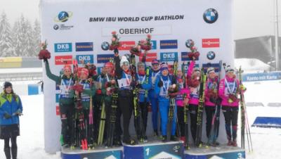 Биатлон: Женская сборная России выиграла эстафету в Оберхофе