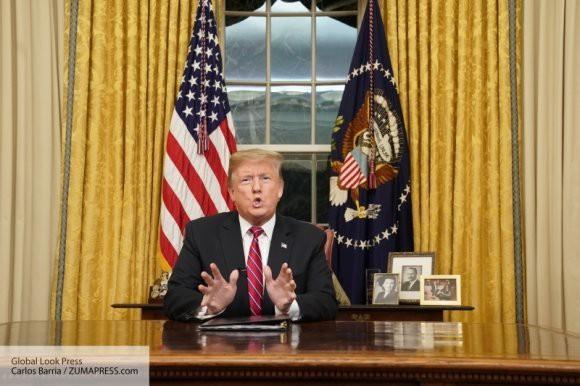 СМИ: Трамп может вернуться к шантажу о выходе США из НАТО, если будет недоволен союзниками
