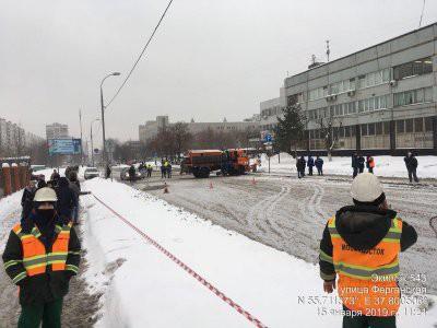 На юго-востоке Москвы из-за провала грунта перекрыли Ферганскую улицу