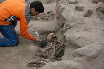 В Перу обнаружили массовое захоронение с останками 132 детей