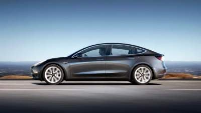 Tesla подарит Model 3 за взлом автомобиля на Pwn2Own