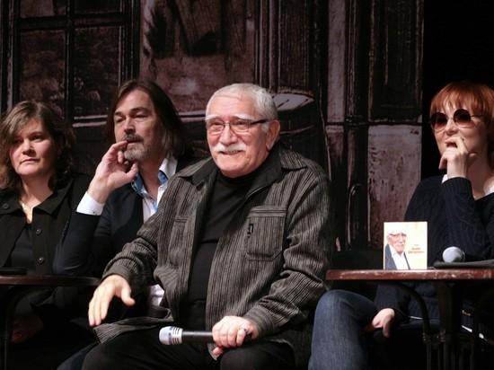 Джигарханян пропал: в театре и на публике артист не появляется с прошлого года