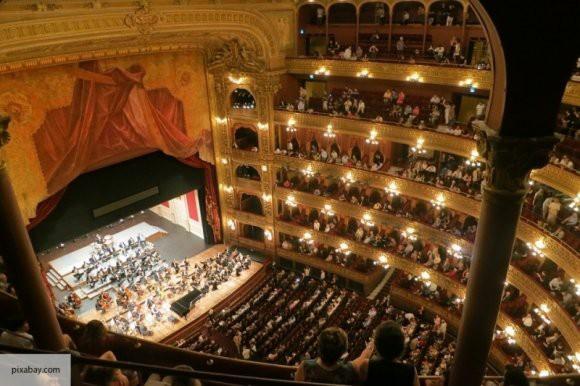 В 2018 году был побил советский рекорд по посещению театров