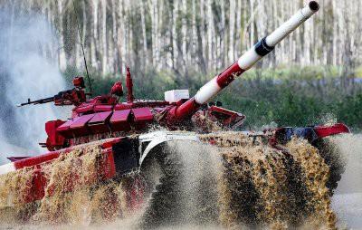 Женские экипажи примут участие в танковом биатлоне ВС России