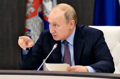 Путин потребовал расселить весь дом после взрыва газа в Магнитогорске