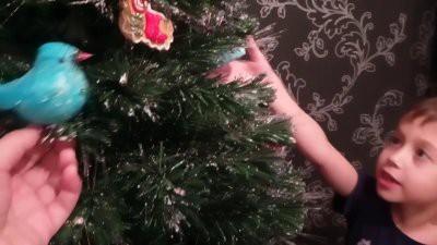 Убирать новогоднюю елку из дома нужно до Крещения