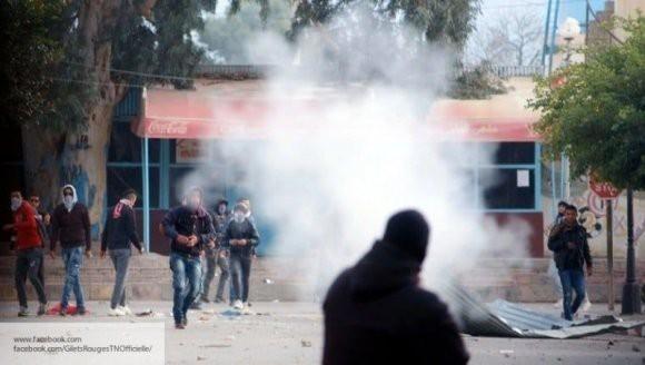Профсоюзы при поддержке студентов планируют забастовку в Тунисе