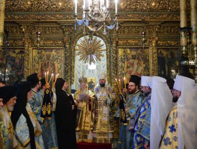 Верховная рада Украины приняла закон о смене подчиненности украинских приходов
