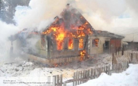 Житель Воронежской области спас женщину из горящего дома и сам потушил пожар