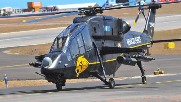 Первый индийский боевой вертолет прошел испытания