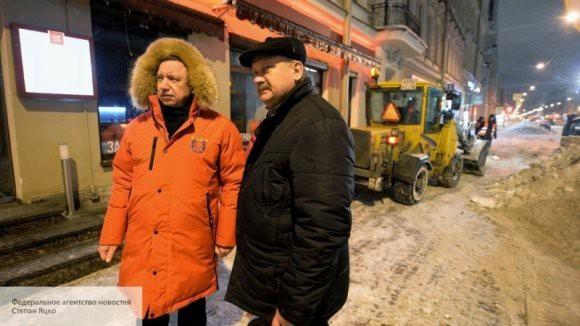 Александр Беглов лично проверил, как в Санкт-Петербурге убирают снег