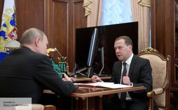 Дмитрий Медведев предложил Путину ввести должность заместителя министра, который бы отвечал за Арктику