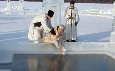 Зачем на Крещение набирать воду