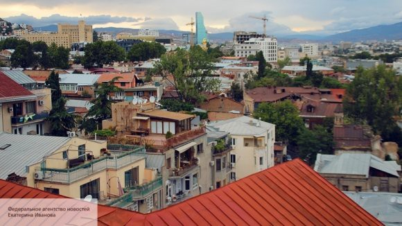 Двух людей задержали по делу о взрыве в жилом корпусе в Тбилиси