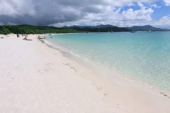 Пляжи с белым песком и голубой водой. Еще одна причина посетить Австралию!