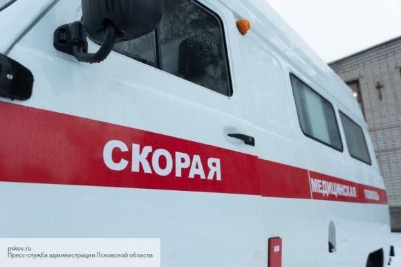 Автобус протаранил остановку в Санкт-Петербурге