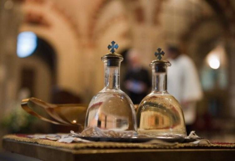 Вода на Крещение имеет лечебные свойства
