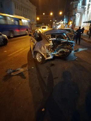 Во Владивостоке пьяный водитель спровоцировал массовое ДТП