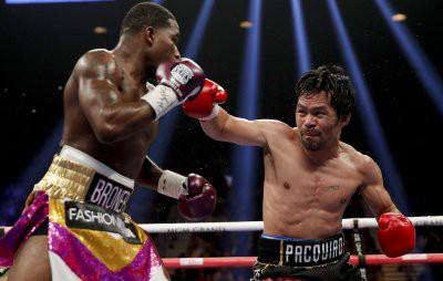 Легендарный Пакьяо победил Бронера и защитил чемпионский титул WBA