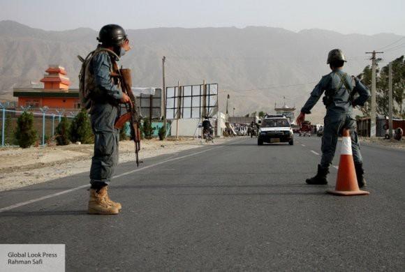 Смертник атаковал кортеж афганского губернатора провинции Логар