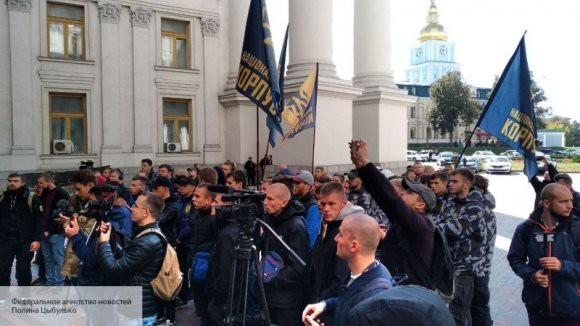 «Новая революция обязательно победит»: националисты пообещали свергнуть Порошенко