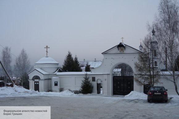 Служители «новой церкви» на Украине пытались помешать УПЦ освятить воду