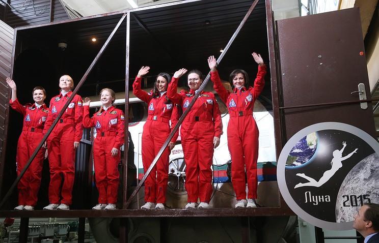 """В космосе только девушки: """"Роскосмос"""" собирает женский отряд для полётов на орбиту"""