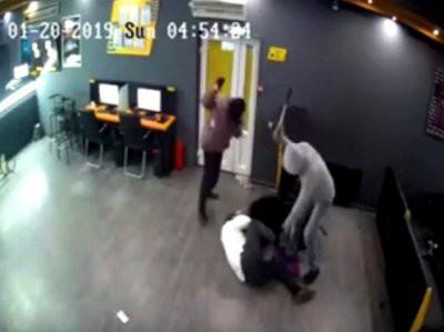 Жестокое нападение на букмекерскую контору в Алматы записала видеокамера