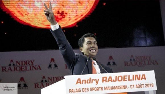 Новый президент Мадагаскара поклялся выполнять свои обязанности в соответствии с законодательством страны