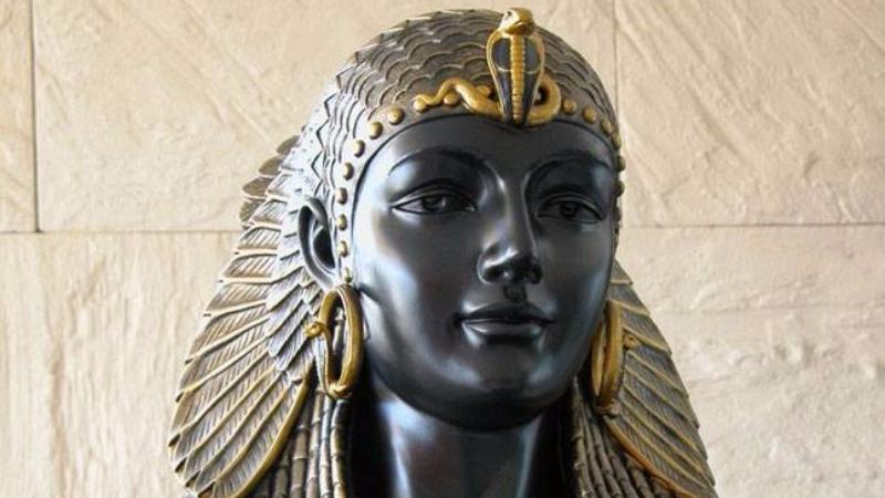 Известный археолог заявил, что знает где похоронена египетская царица Клеопатра