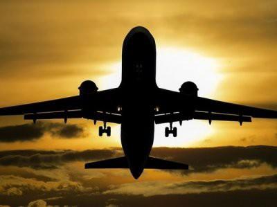 Силовики продолжают операцию по обезвреживанию захватчика рейса Сургут — Москва