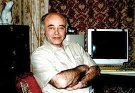 Умер физик и писатель-фантаст Михаил Ахманов