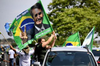 Эксперты по экспорту демократии принялись за Латинскую Америку