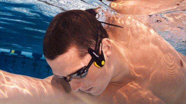 Как сделать занятия плаванием интересными?