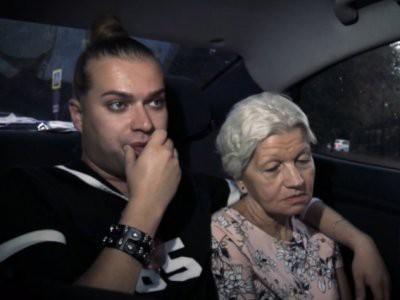 У жены Гогена Солнцева после операции плохо открывается глаз