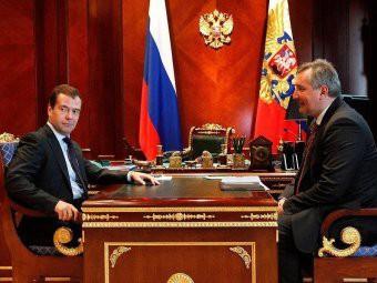 «Хватит болтать»: Медведев на совещании «разнес» Роскосмос и Рогозина