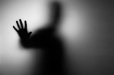 Англичанка случайно сфотографировалась с призраком