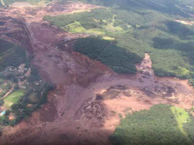 Не менее 200 человек пропали без вести после прорыва плотины в Бразилии