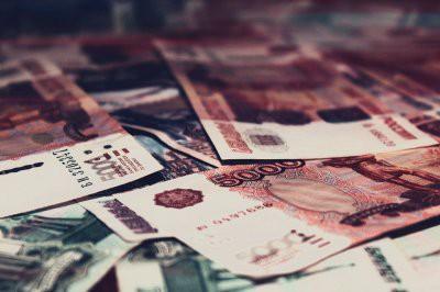 Каждый десятый россиянин сообщил о росте зарплаты