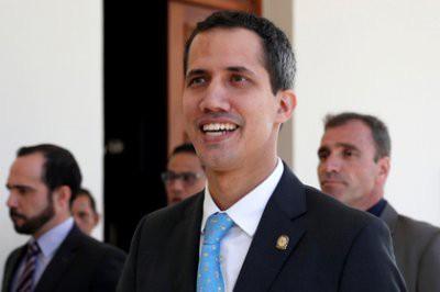 Гуаидо ведет переговоры с венесуэльскими военными