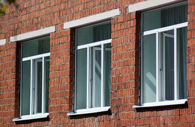 В Караганде из окна школы выпала первоклассница