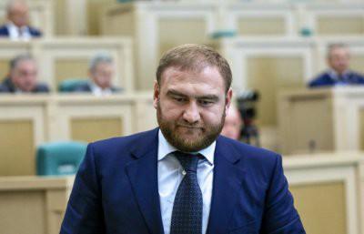 В Совфеде арестовали сенатора Арашукова