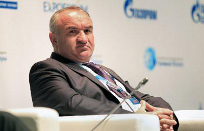 Второй пошел: Отца сенатора Арашукова задержали по делу о хищении газа