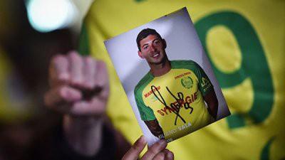 Поиски пропавшего самолета с футболистом Эмилиано Сала на борту начнут аквалангисты