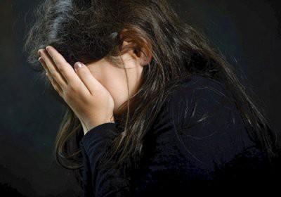 Омскую школьницу раздели и изнасиловали на камеру
