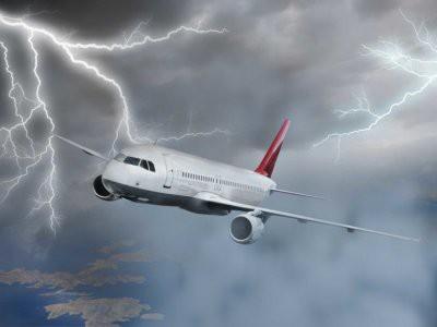 Молния попала в российский самолет, летевший из Рима в Москву